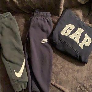 Boys Nike joggers size 3T bonus Gap hoodie bundle
